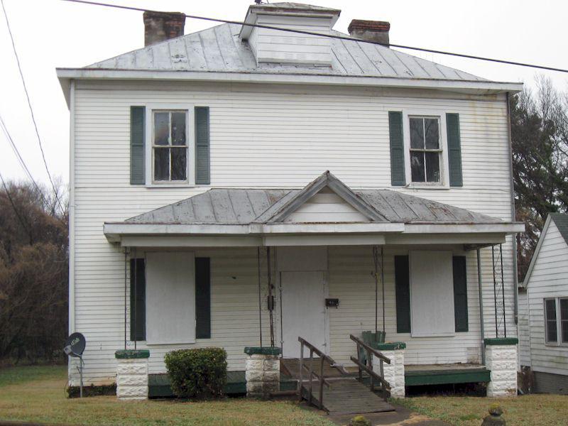 844 Pine Street