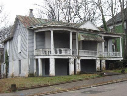 The Lumpkin House - 855 Pine