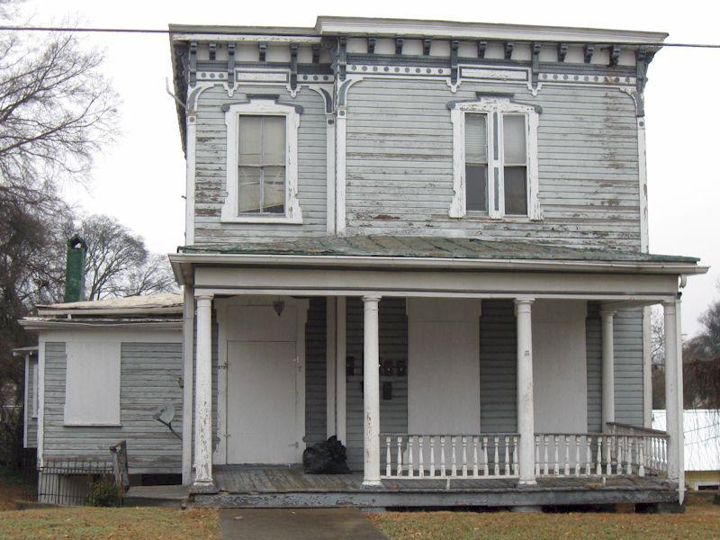 870 Pine Street
