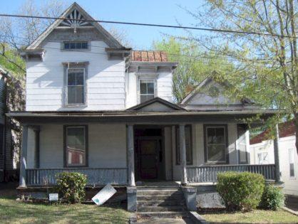820 Pine Street