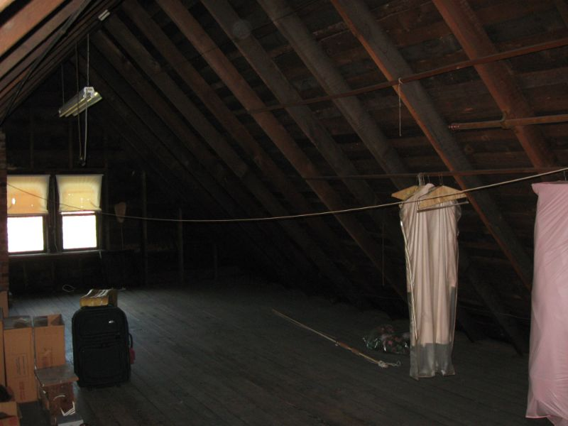 Stand-up Attic
