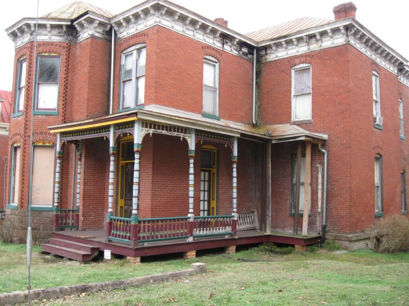 218 Jefferson Avenue -- See the listing