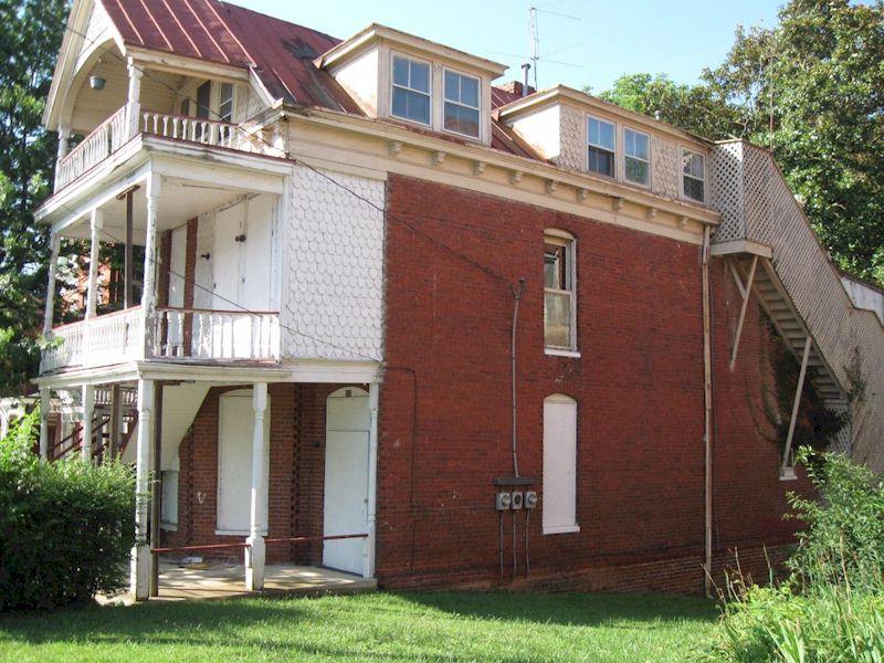 The Clarke-Yates House